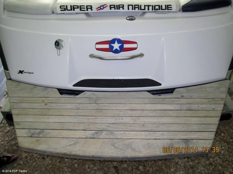 2001 Correct Craft 210 Super Air Nautique - Photo #11