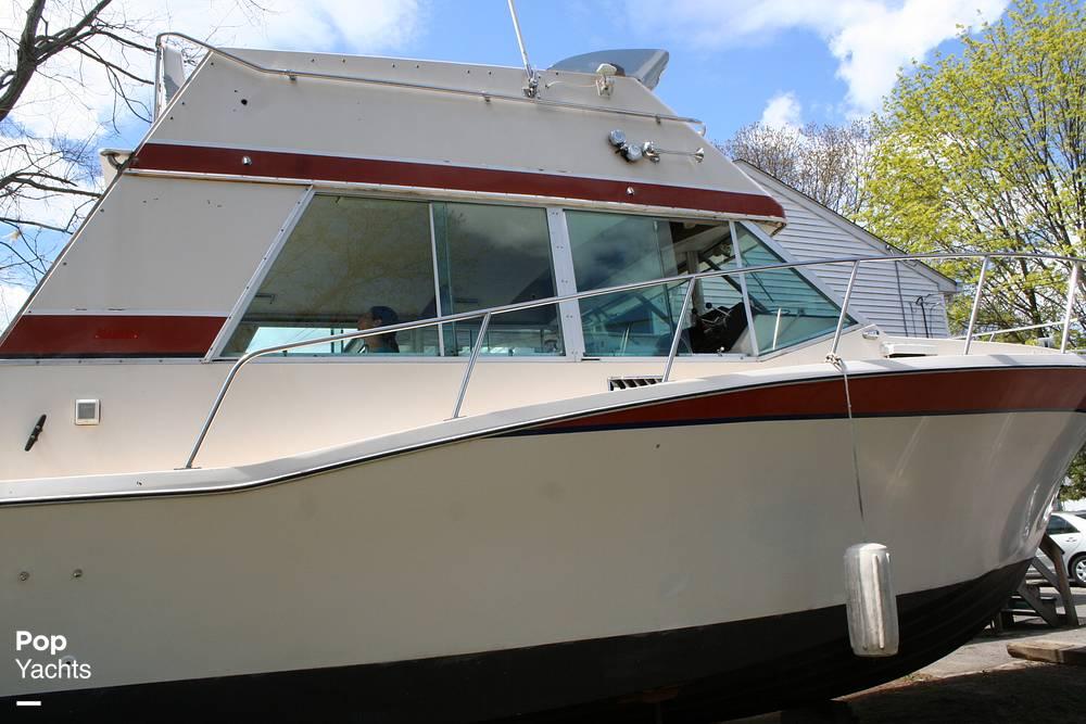 1974 Bayliner boat for sale, model of the boat is 33 Uniflight & Image # 3 of 40