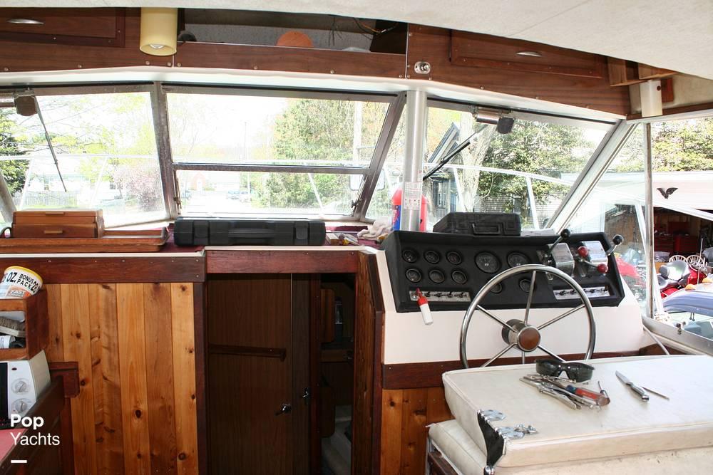 1974 Bayliner boat for sale, model of the boat is 33 Uniflight & Image # 10 of 40