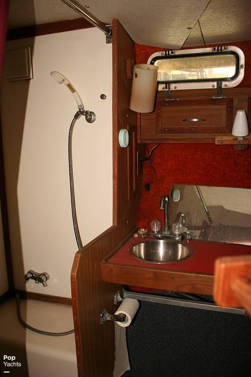 1974 Bayliner boat for sale, model of the boat is 33 Uniflight & Image # 29 of 40