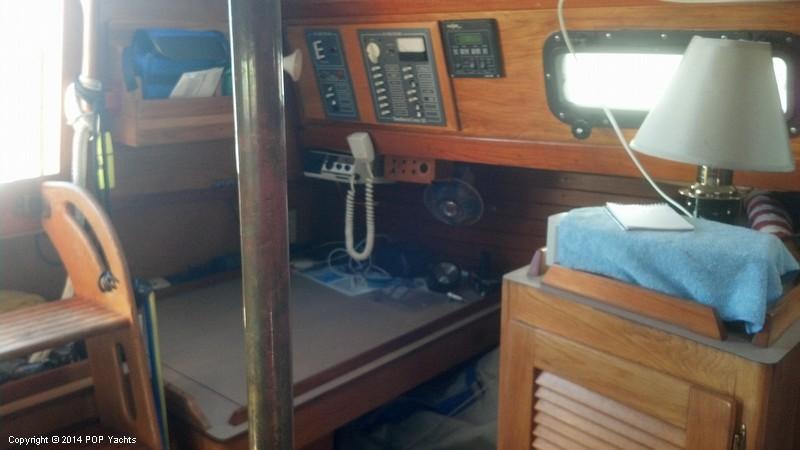 1982 Southern Cross 35 Cruiser - Photo #5