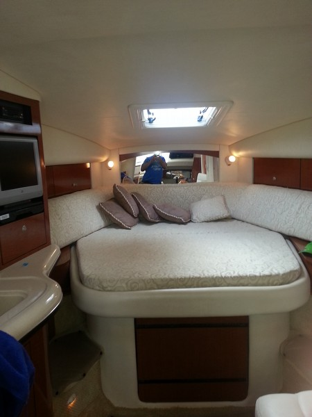 2005 Sea Ray 320 Sundancer - Photo #10