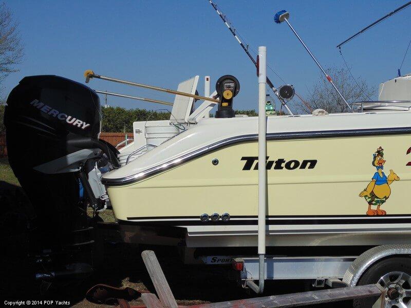 2005 Triton 351 Center Console - Photo #5
