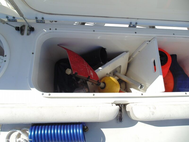 2005 Triton 351 Center Console - Photo #21