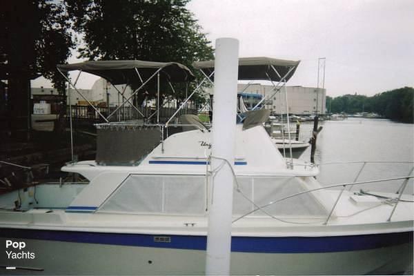 1971 Uniflite boat for sale, model of the boat is 31 Sport Sedan & Image # 5 of 40