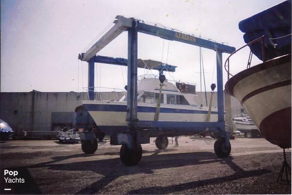 1971 Uniflite boat for sale, model of the boat is 31 Sport Sedan & Image # 4 of 40