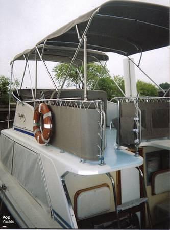 1971 Uniflite boat for sale, model of the boat is 31 Sport Sedan & Image # 6 of 40