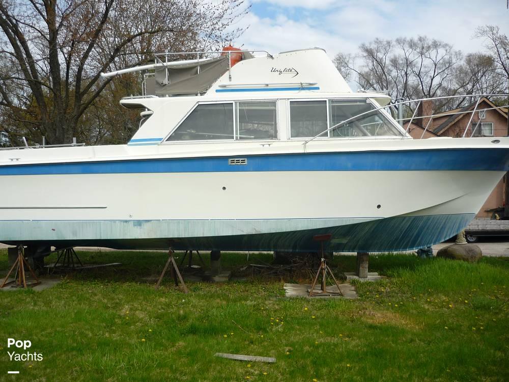 1971 Uniflite boat for sale, model of the boat is 31 Sport Sedan & Image # 15 of 40