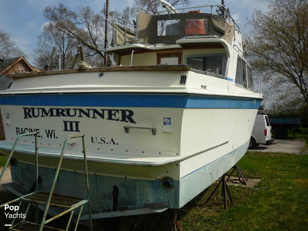 1971 Uniflite boat for sale, model of the boat is 31 Sport Sedan & Image # 20 of 40