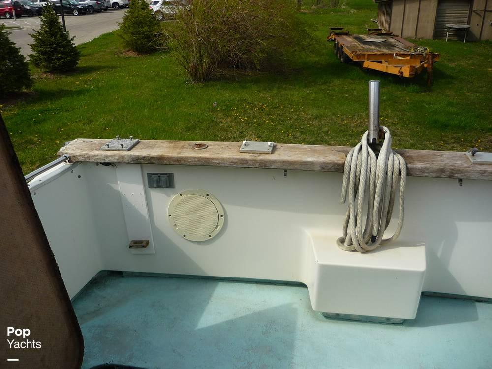 1971 Uniflite boat for sale, model of the boat is 31 Sport Sedan & Image # 26 of 40