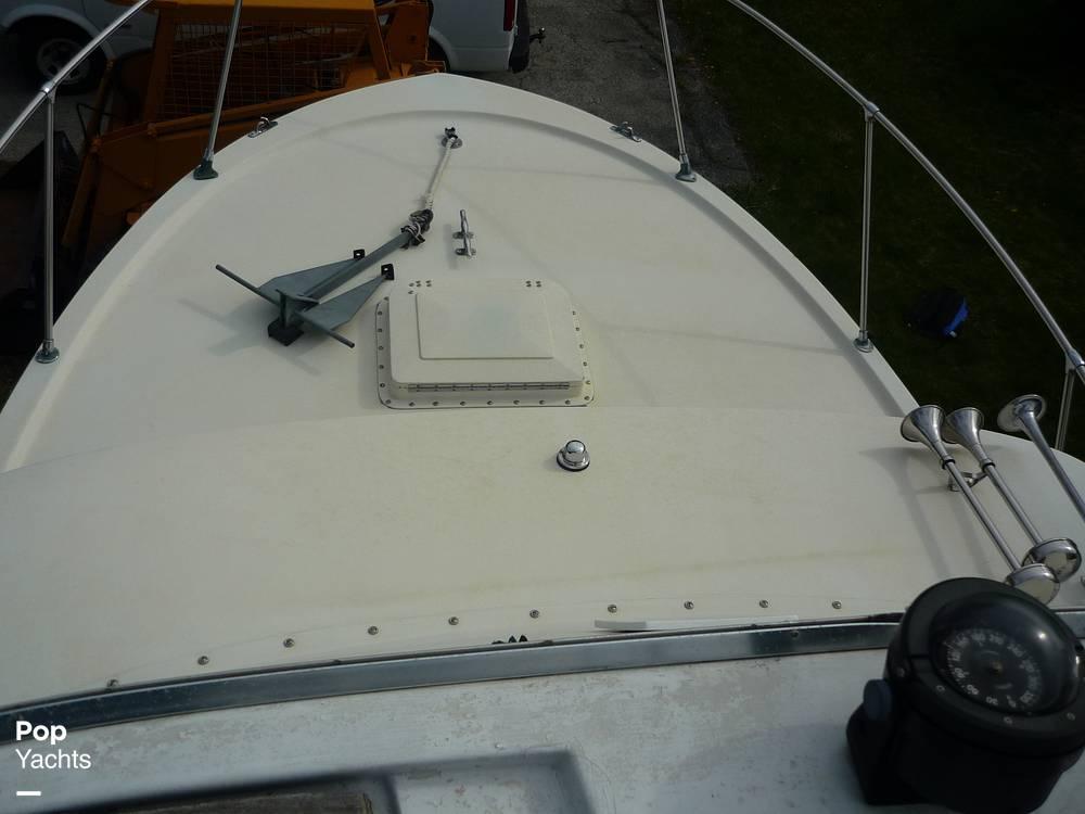 1971 Uniflite boat for sale, model of the boat is 31 Sport Sedan & Image # 31 of 40
