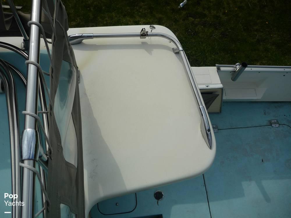 1971 Uniflite boat for sale, model of the boat is 31 Sport Sedan & Image # 36 of 40