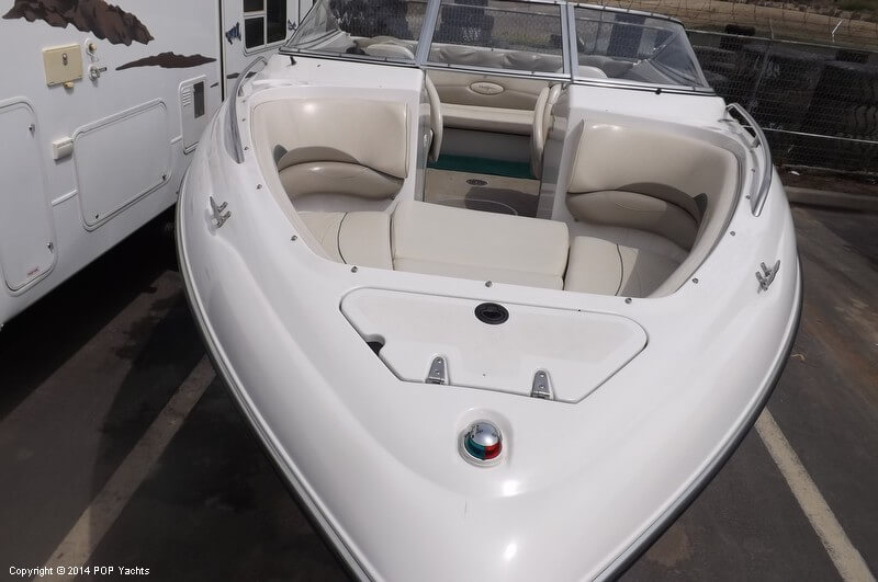 1999 Four Winns boat for sale, model of the boat is 220 Horizon & Image # 22 of 40
