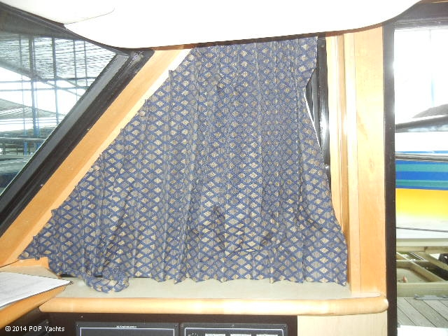 2003 Bluewater Yachts 5200 - Photo #9
