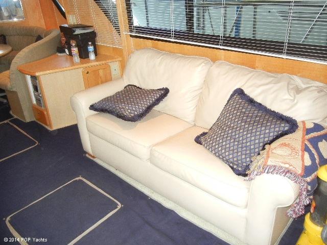 2003 Bluewater Yachts 5200 - Photo #10