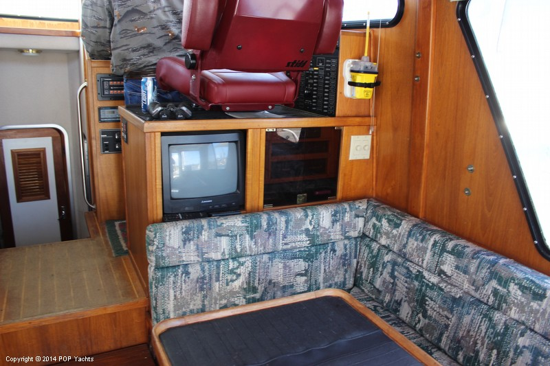 Starboard Sette TV And Stero Cabinet