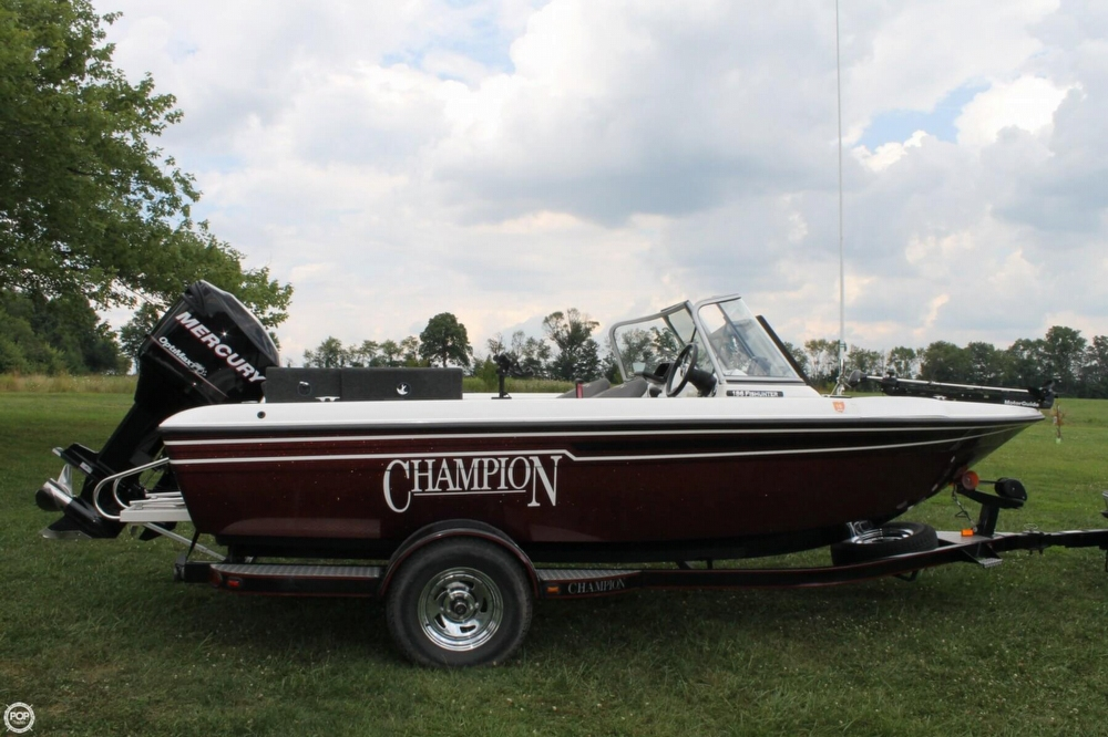 2009 Champion 186 Fish Hunter - Photo #3