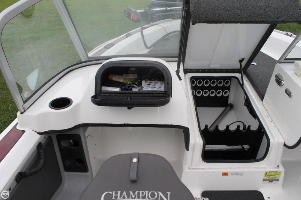 2009 Champion 186 Fish Hunter - Photo #21