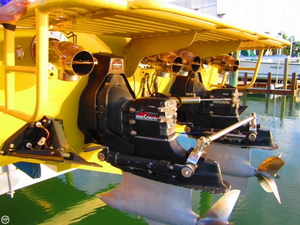1995 Apache Powerboats 36 Warrior - Photo #4