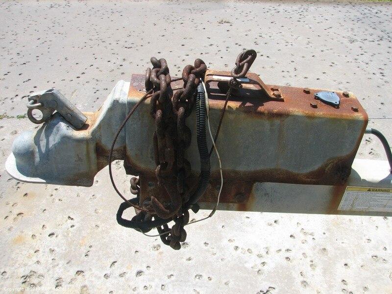 2006 Dusky Marine 256 FAC/Keel Model - Photo #17