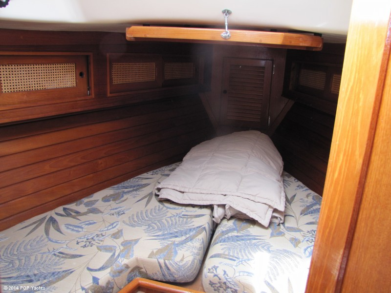 1985 Bristol Yachts 31-1 - Photo #12