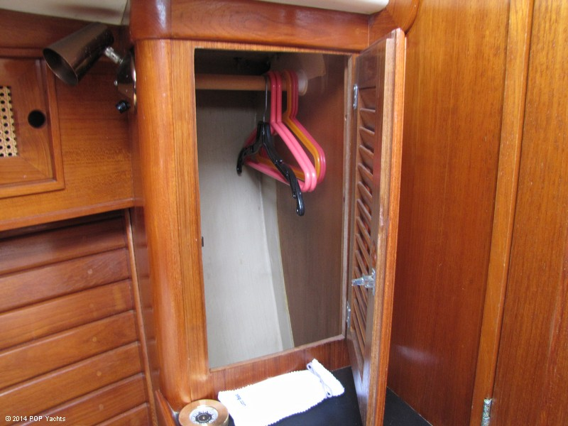 1985 Bristol Yachts 31-1 - Photo #24