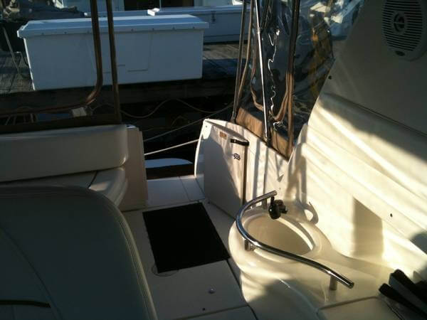 2001 Sea Ray 310 Sundancer - Photo #10