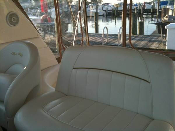 2001 Sea Ray 310 Sundancer - Photo #12