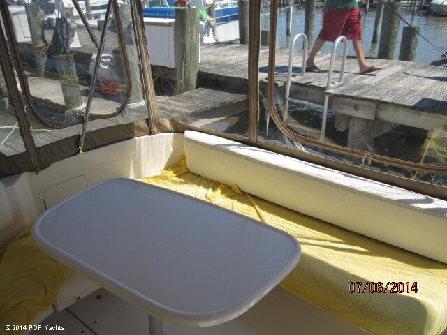 2001 Sea Ray 310 Sundancer - Photo #37