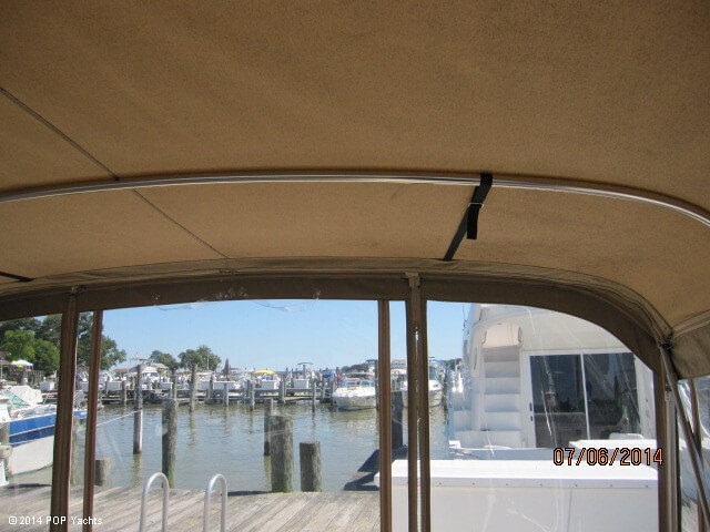 2001 Sea Ray 310 Sundancer - Photo #38