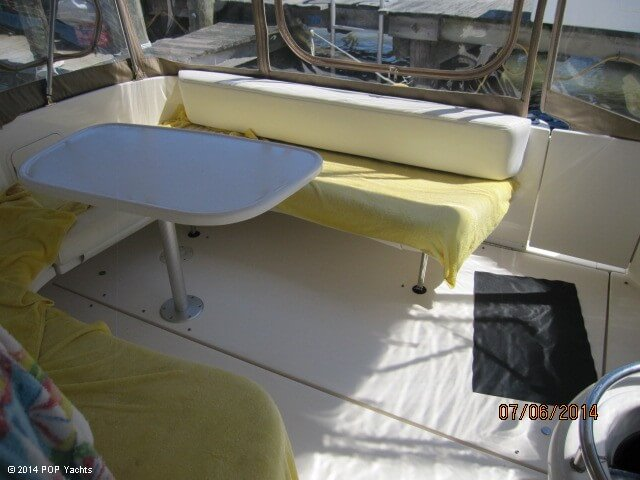 2001 Sea Ray 310 Sundancer - Photo #40