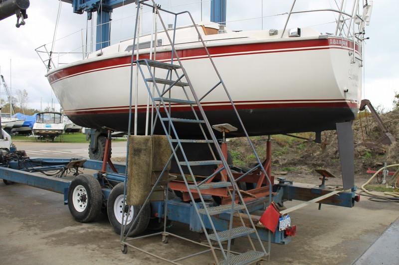 1980 Cal Yachts 25 Cal - Photo #2