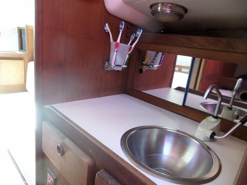 1980 Cal Yachts 25 Cal - Photo #6