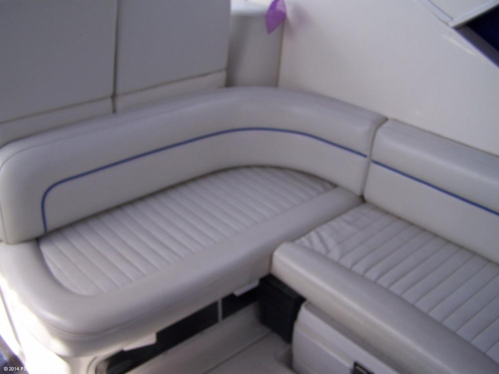 2007 Bayliner 305 Cruiser - Photo #8