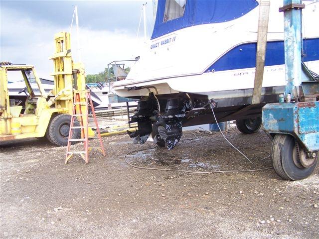 2007 Bayliner 305 Cruiser - Photo #16