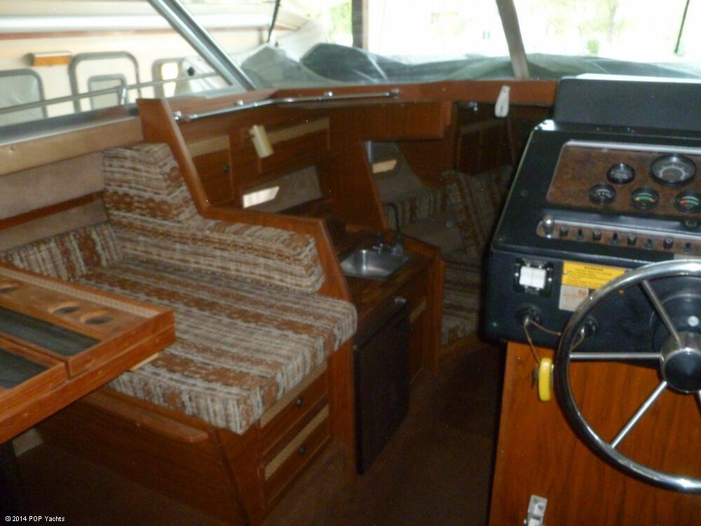 1980 Sea Ray 270 SRV Sedan Bridge - Photo #22