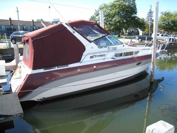 1988 Cruisers 3170 Esprit - Photo #4