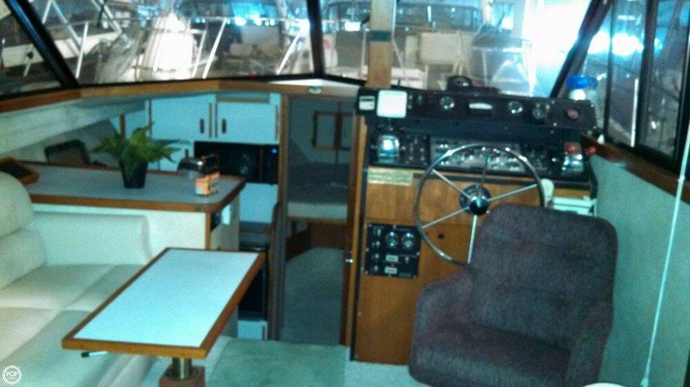 1986 Carver 3207 Aft Cabin - Photo #25