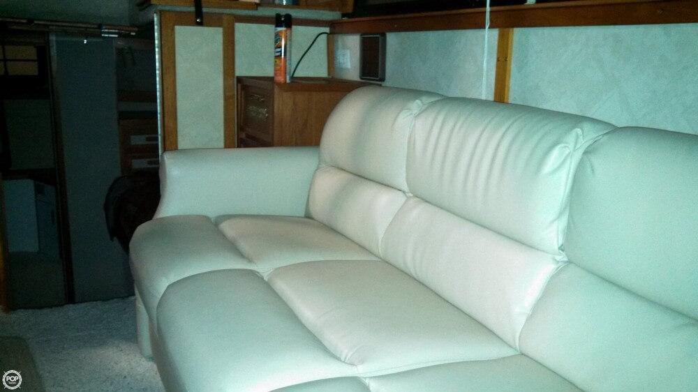 1986 Carver 3207 Aft Cabin - Photo #31