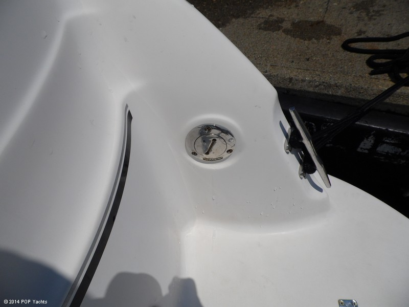 2007 Larson Cabrio 274 - Photo #37