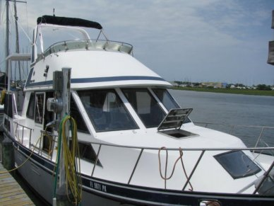 Golden Star 35 Sundeck, 37', for sale - $18,500