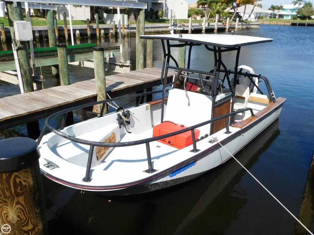 1984 Boston Whaler 20 Outrage - Photo #2