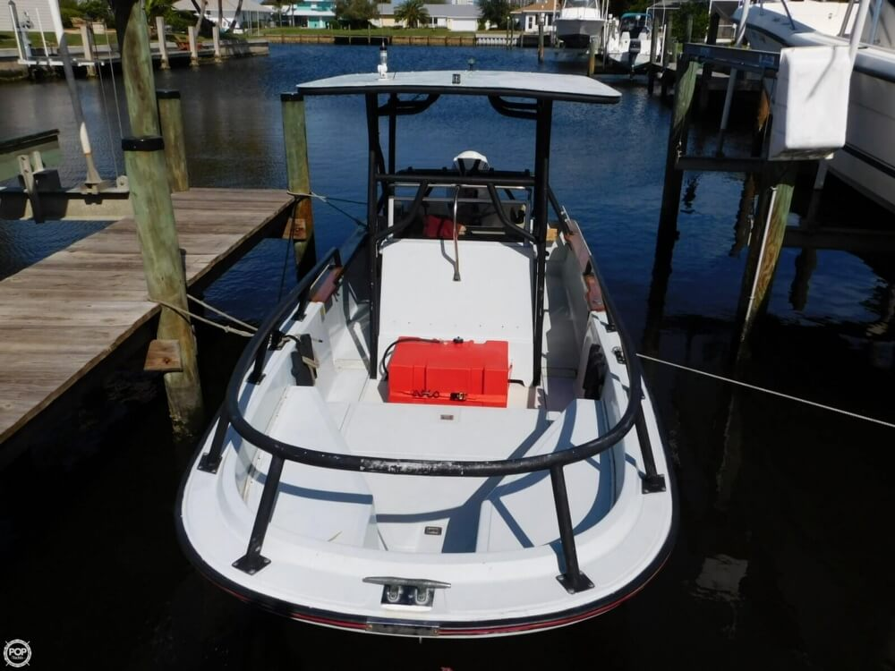 1984 Boston Whaler 20 Outrage - Photo #8