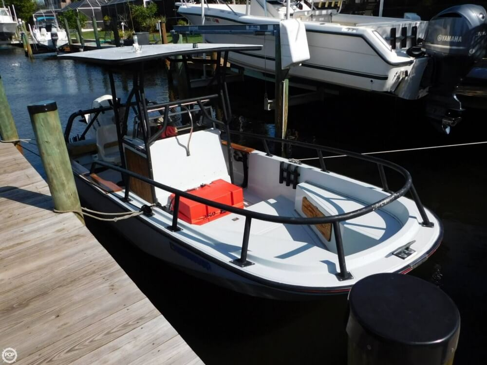 1984 Boston Whaler 20 Outrage - Photo #10