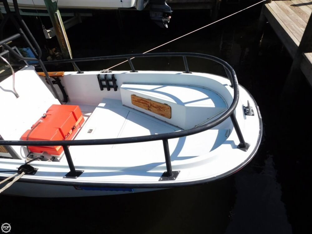 1984 Boston Whaler 20 Outrage - Photo #11