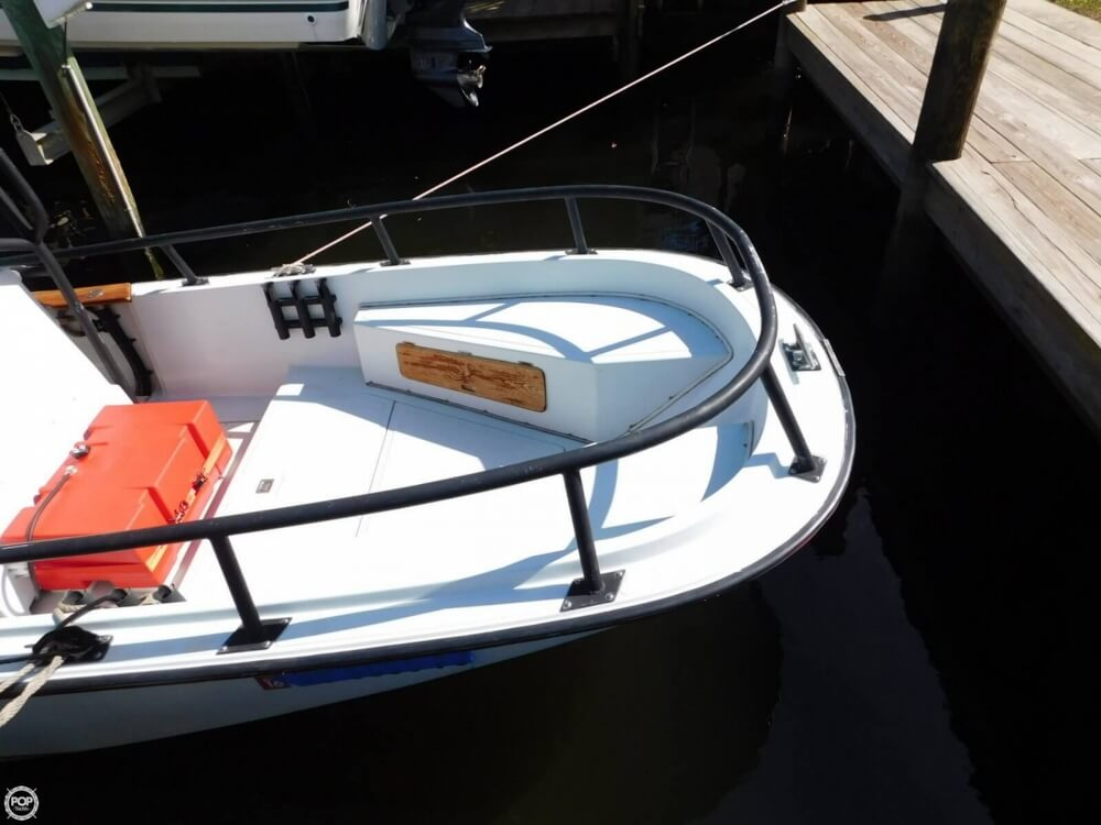 1984 Boston Whaler 20 Outrage - Photo #12