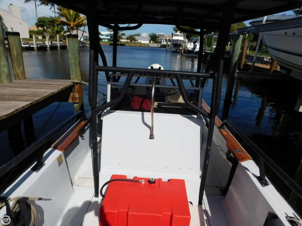 1984 Boston Whaler 20 Outrage - Photo #20