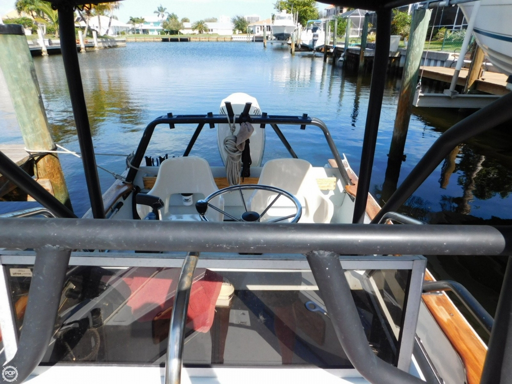 1984 Boston Whaler 20 Outrage - Photo #25