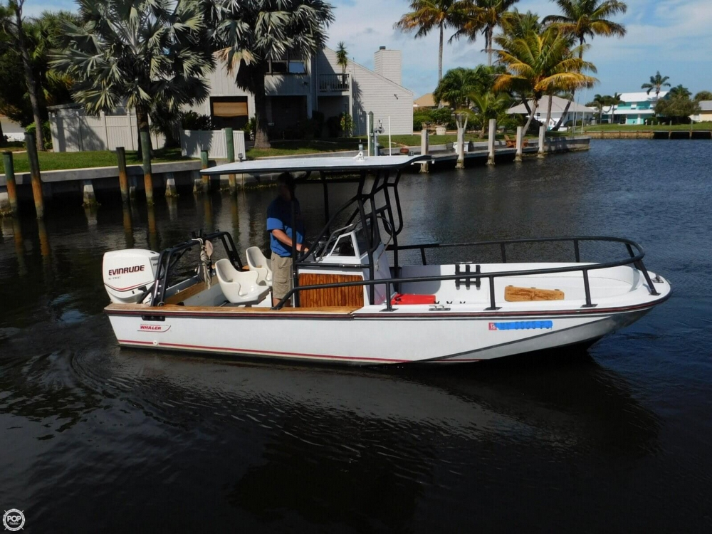 1984 Boston Whaler 20 Outrage - Photo #6