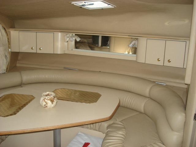 1998 Sea Ray 310 Sundancer - Photo #11